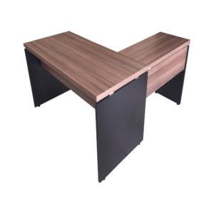 Mesa mais complemento Pandim, com duas gavetas.Ideal para seu escritórioAlto aproveitamento de espaço para trazer eficiência para o seu escritório.Campeã de vendas