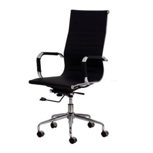 Possui fução de ajuste de altura do assento e espuma com densidade controlada. Sua estrutura é de aço cromado e o revestimento é em couro sintético preto ou branco.