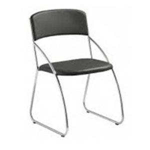 Cadeira Interlocutor , Base: em Aço cromada Revestimento: em Couro ecológico Essa cadeira é modelo diretor com um ótimo custo x benefício. Possui base fixa , com maior conforto do usuário. Base e braços cromados.