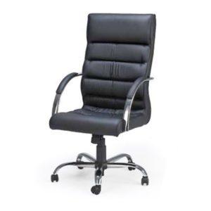 Cadeira Presidente Soft ,Mecanismo relax, aranha e braços de alumínio e rodízios em poliuretano (PU).Revestimento preto.