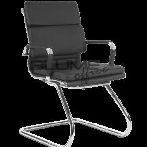 Cadeira Interlocutor Confort Fixa ,Cadeira de aproximação fixa com encosto e assento revestidos em PU poliuretano. Braços cromados com forração removível por meio de zíper, base ski cromada. Encosto e assento revestidos em courino dublado com espuma de densidade controlada nas almofadas. Cadeira preta com braço cromado com forração removível (zíper). Base ski cromada.