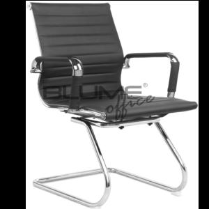 Cadeira Interlocutor Esteirinha ,Cadeira de reunião com encosto e assento revestidos em courino dublado com reforço interno em lona e comporta até 110kg. Esta cadeira de aproximação tem braço cromado com forração removível (zíper).
