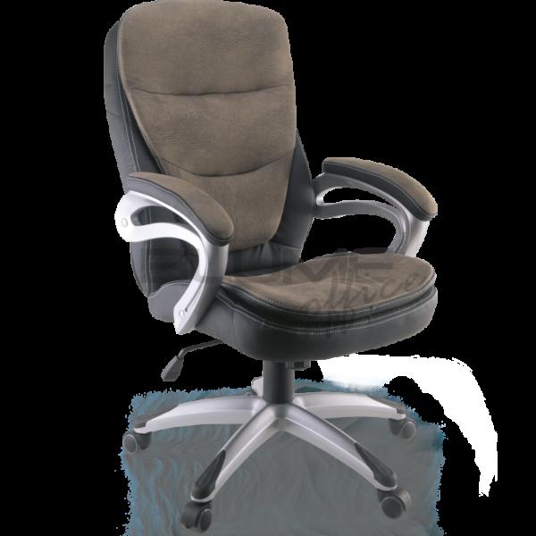 Cadeira presidente BLM. Ela tem encosto e assento revestidos em courino com espuma injetada no assento, espuma com densidade controlada no encosto e sobrecapa em soft revestida em suede. Os braços desta cadeira são fixos em nylon, com apoio em courino e suede com espuma injetada. O assento é produzido com espuma injetada.