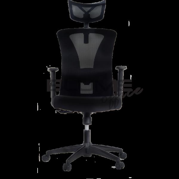 Cadeira presidente BLM com apoio de cabeça, regulagem de altura e rotação. O encosto desta cadeira é feito em tela de poliéster e tensor de lombar com regulagem. Seu assento é produzido em tecido poliéster com espuma de densidade controlada.