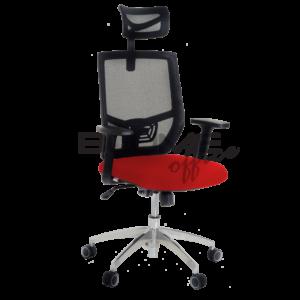 Cadeira presidente. Mecanismo syncron* com relax e trava. Encosto telado com tensor de lombar com regulagem e com encosto de cabeça. Assento revestido com tecido poliéster e espuma injetada. Braços com regulagem de altura. Base de alumínio 330 mm.