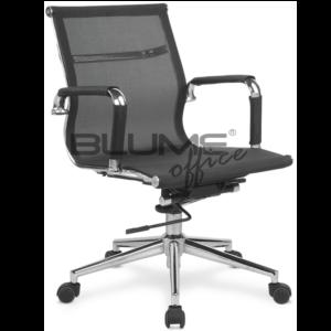 Cadeira diretor BLM com encosto e assento revestidos em tela de nylon, que comporta até 110kg. Braços cromados com forração removível.