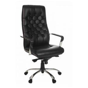 Cadeira presidente com encosto e assento revestidos em courino com espuma laminada de alta densidade no assento, espuma com densidade controlada e acabamento capitonê no encosto.