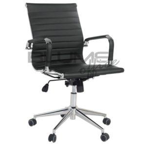 Cadeira diretor para escritórios de corpos diretivos de empresas. Esta cadeira tem encosto e assento revestidos em courino dublado com reforço interno em lonaBraço cromado com forração removível (zíper).