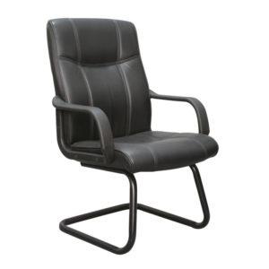 """Com visual tradicional a """"Cadeira Interlocutor Pelegrin Em Couro Pu Preta PEL-229V"""" é a escolha mais adequada para quem busca qualidade e conforto. Seu design combina muito bem com ambientes corporativos, escritórios e home office."""