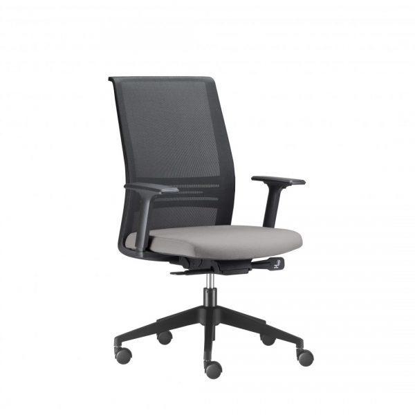 Cadeira Diretor Agile , é a combinação perfeita entre minimalismo e sofisticação. Seu amplo encosto em tela com apoio lombar garante um nível de conforto que agrada até os usuários mais exigentes. A assertividade do design garante uma incomparável versatilidade de combinação nos mais diversos ambientes.